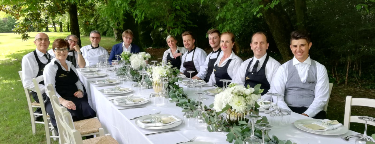 catering staff tajer doro